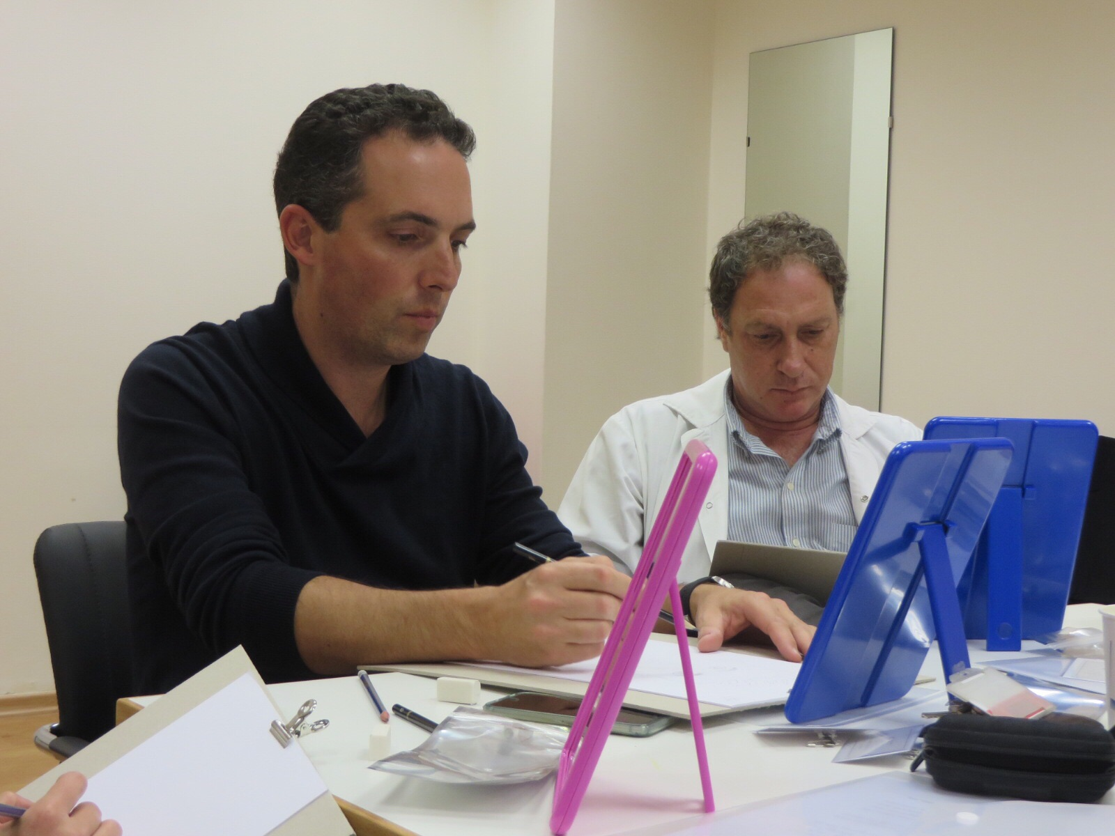 SZ plastic surgeons sketching during the course